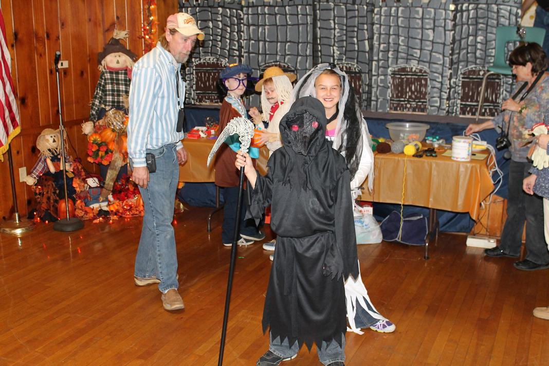2012_kids_halloween_party10
