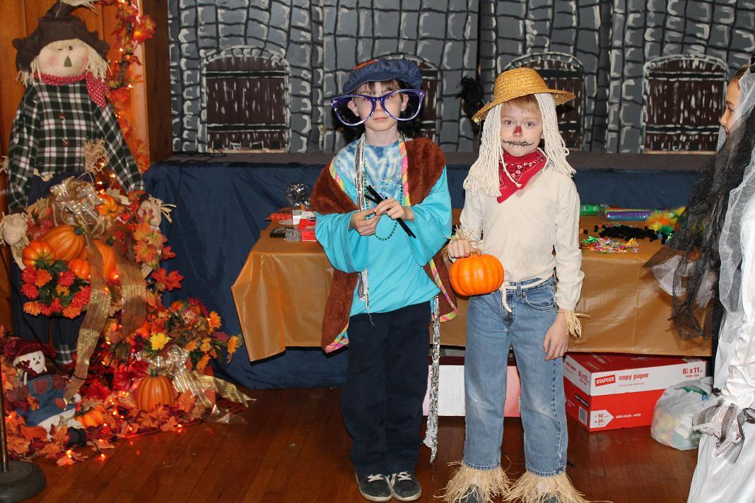 2012_kids_halloween_party11