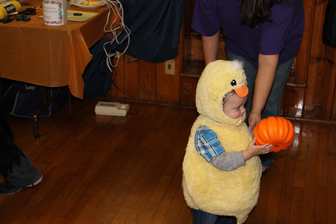 2012_kids_halloween_party12