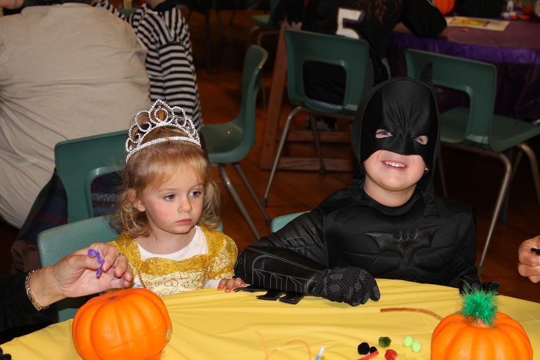 2012_kids_halloween_party13