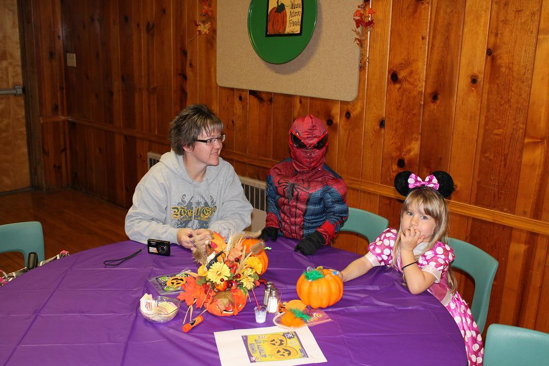 2012_kids_halloween_party15