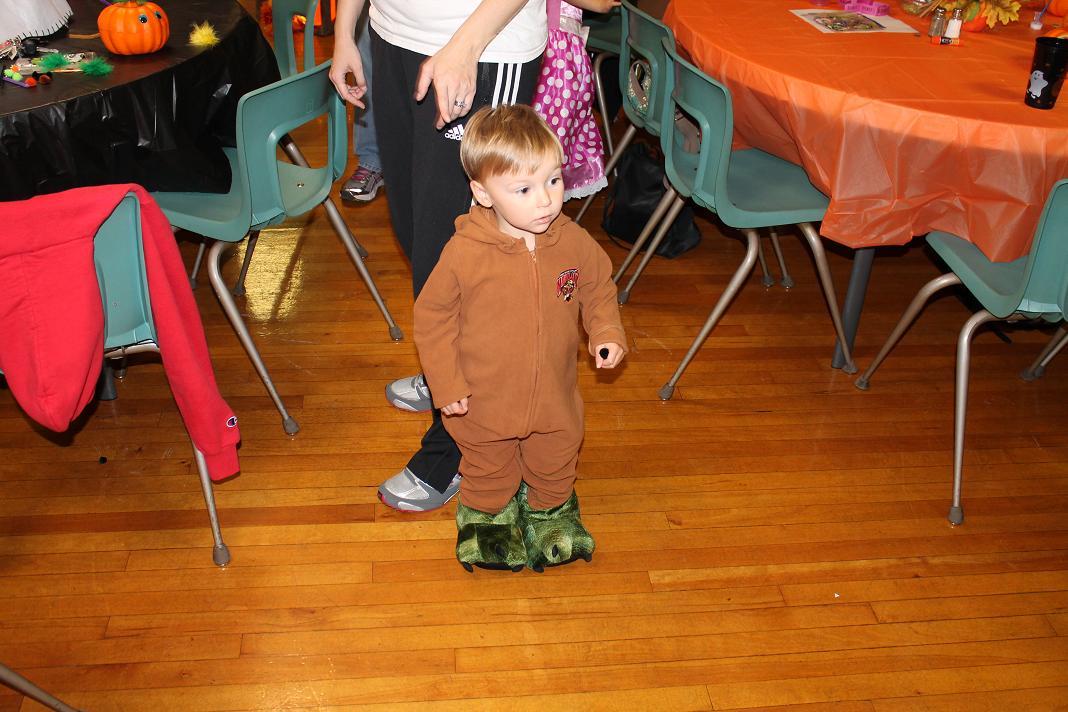 2012_kids_halloween_party16