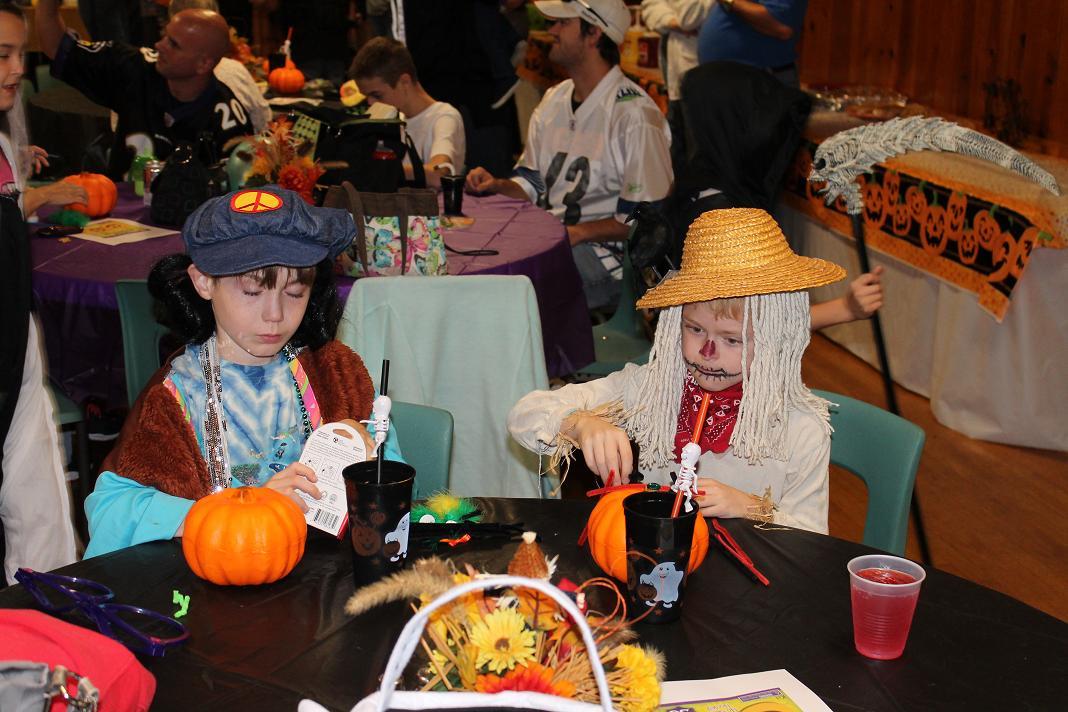 2012_kids_halloween_party17