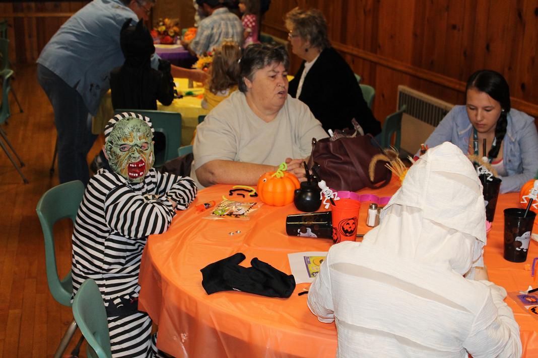 2012_kids_halloween_party8